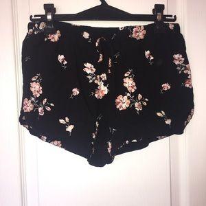 Garage floral black shorts